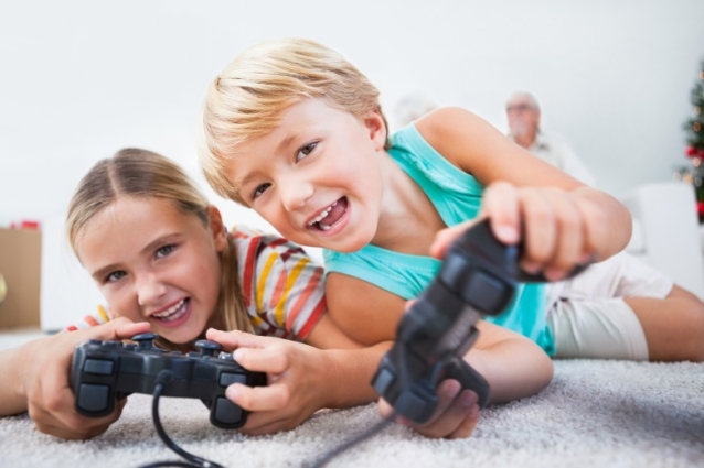 Children-playing-PlayStation